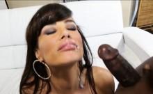 Curvy MILF Lisa Ann double fucked by huge interracial cocks