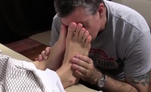 Tired Viggo gets his feet exposed while in the bedroom