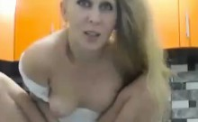 Queensquirtorgasm Squirting On Barefeet