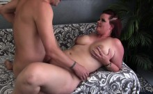 Thick and sexy plumper shows her oral sex skills with a