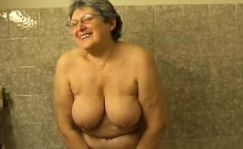 Omapass Hairy Granny Bathroom Masturbation