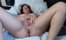 Sexy as hell mom Taz Devil with pierced pussy