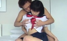 Yoshizawa Yoshino enjoys a vibrator in her twat