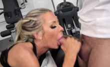 Brazzers - Dirty Masseur - Stress Buster scen