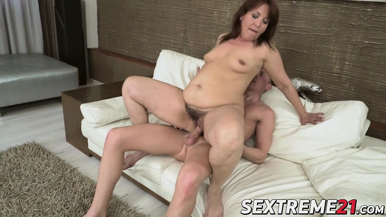 Big Dick Horny - Free Mobile Porn - Horny Granny Red Mary Gets Cunt Fucked By ...