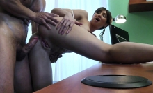 Doctor creampied milf pussy in hospital