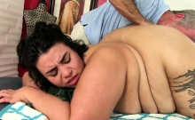 Cute and fatty BBW come to a masseur She gets naked and she