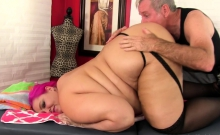 Pink Haired Bbw Visits A Masseur For A Relaxation Massage