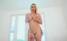 Stepsons pumping on stepmoms round booty