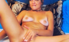 Pretty American Hottie Teased Her Viewers By Masturbating